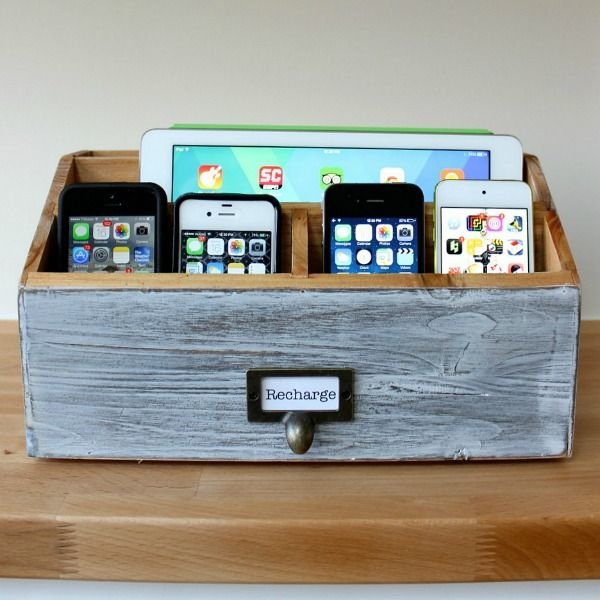 simphome family charging station