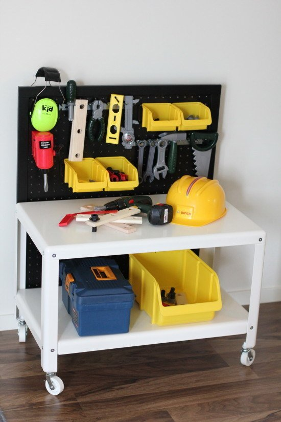 17 Turn a coffee table into a toy workbench via simphome