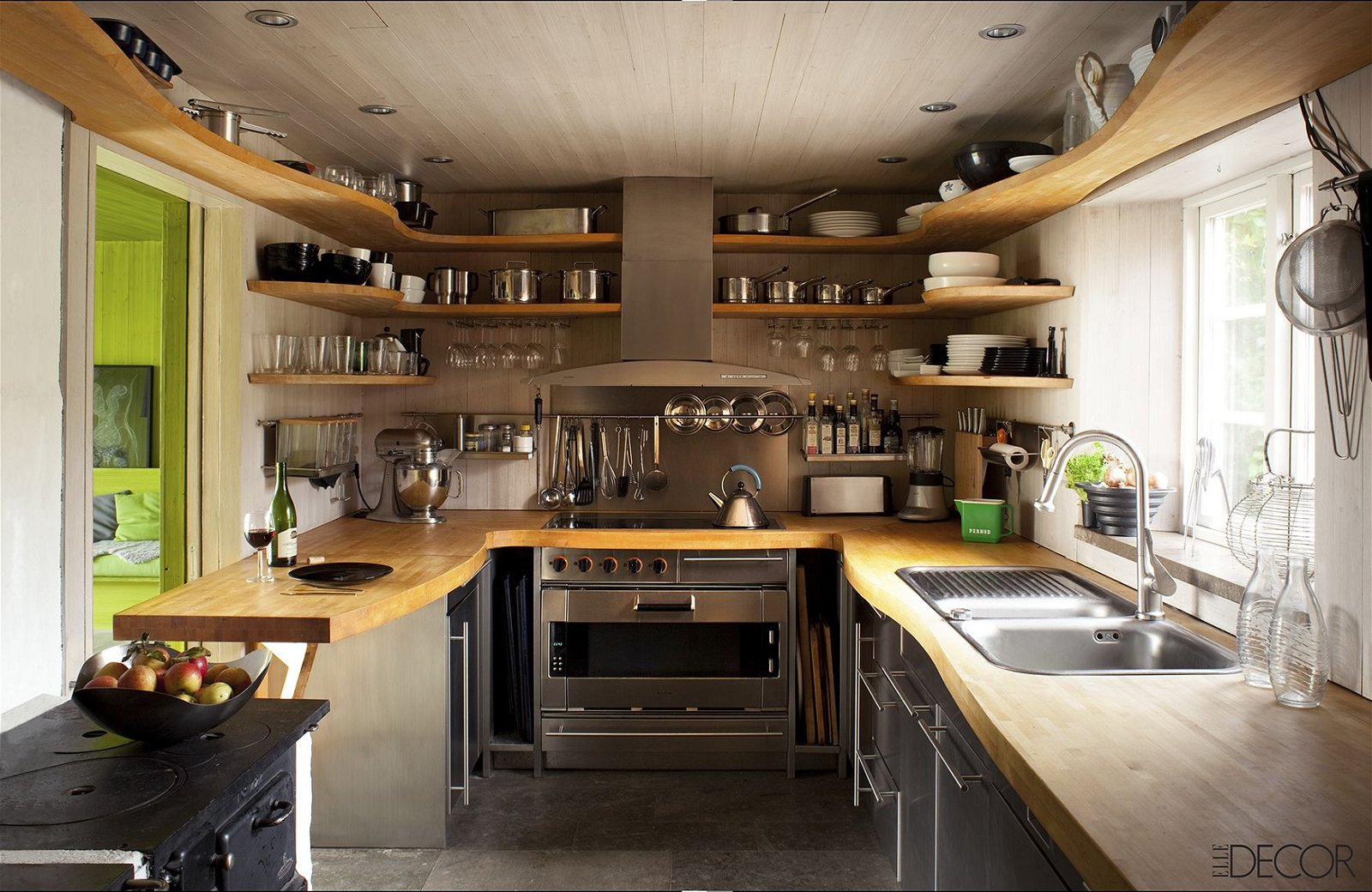 217 Mount Wavy Shelves to update your kitchen cabinets via simphome