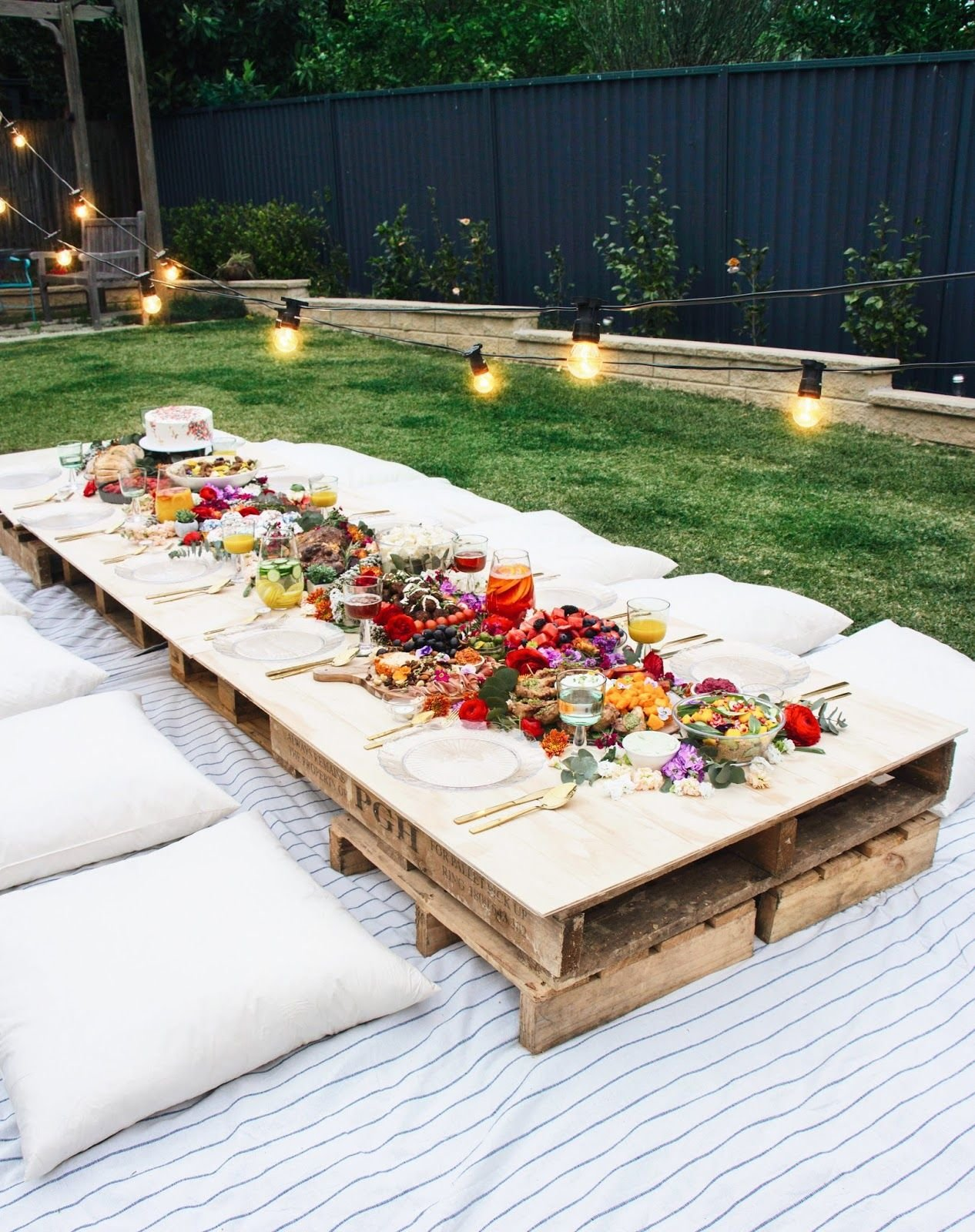 18.SIMPHOME.COM Must see backyard party ideas for a relaxing and luxurious meeting