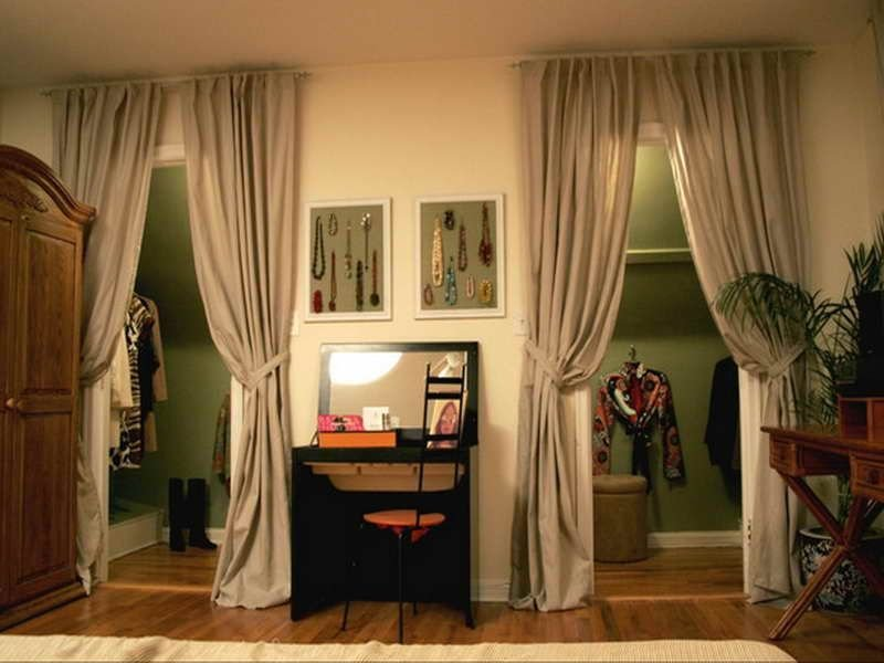 2.Replace your door with interactive accessories via SIMPHOME.COM