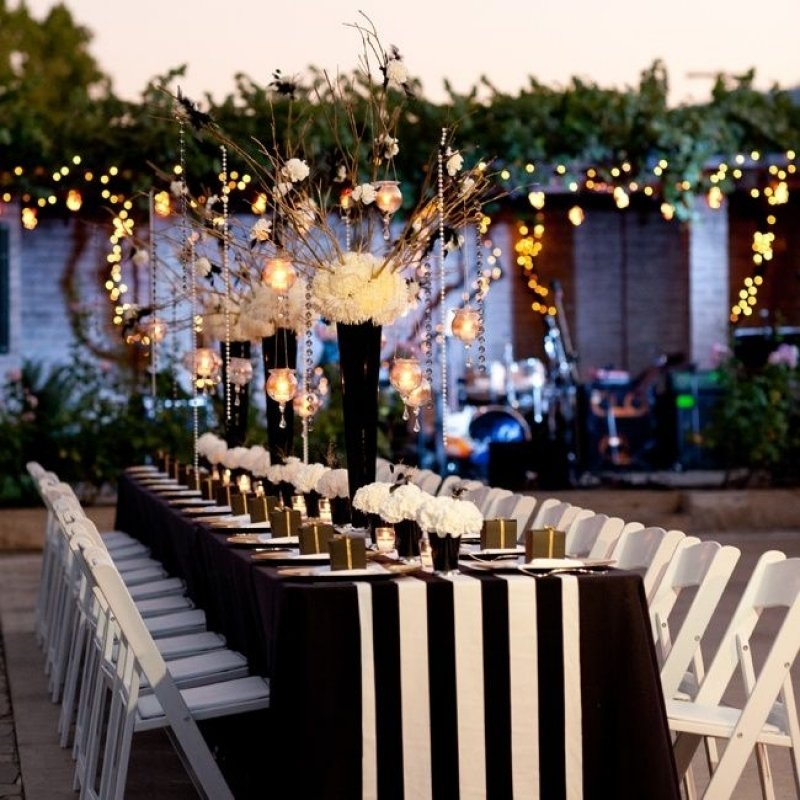 4. Night Under the Stars Theme for Engagement Party via SIMPHOME.COM