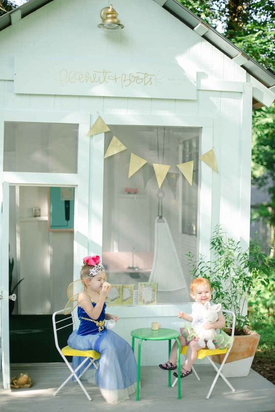 7.Convert a Garden Shed into a clubhouse front side via Simphome.com