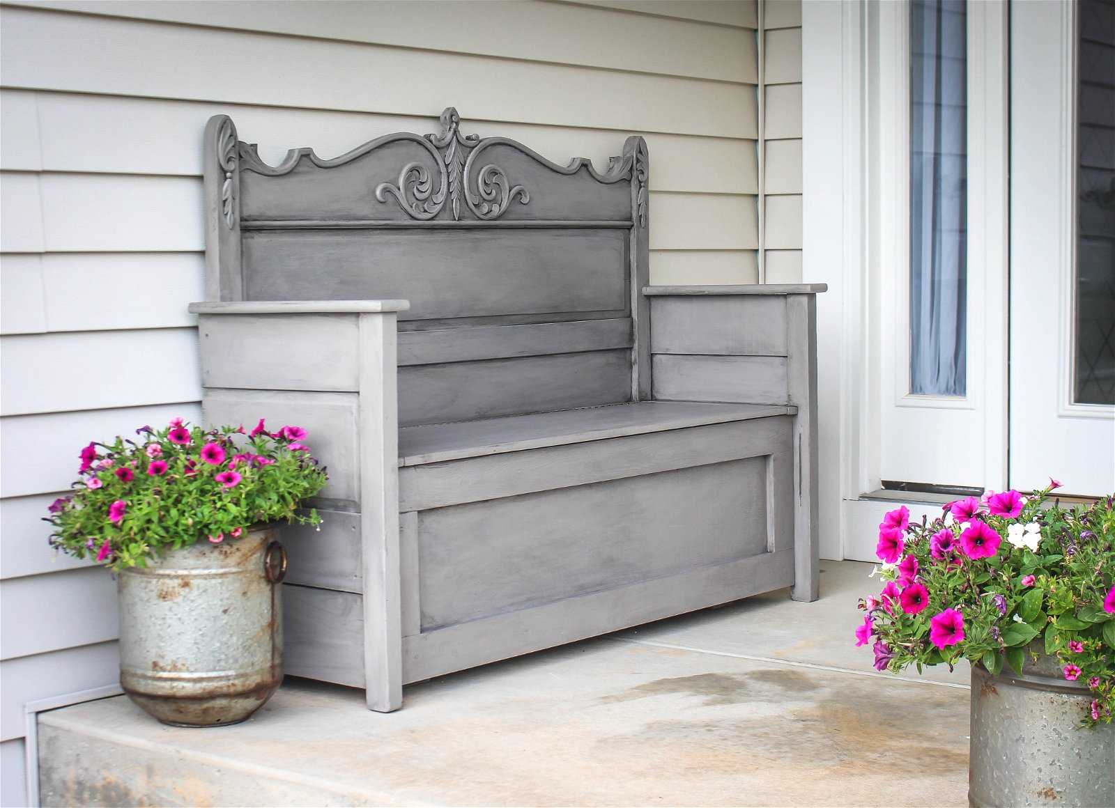 9.SIMPHOME.COM 10 DIY Outdoor Wood Projects Headboard to Bench