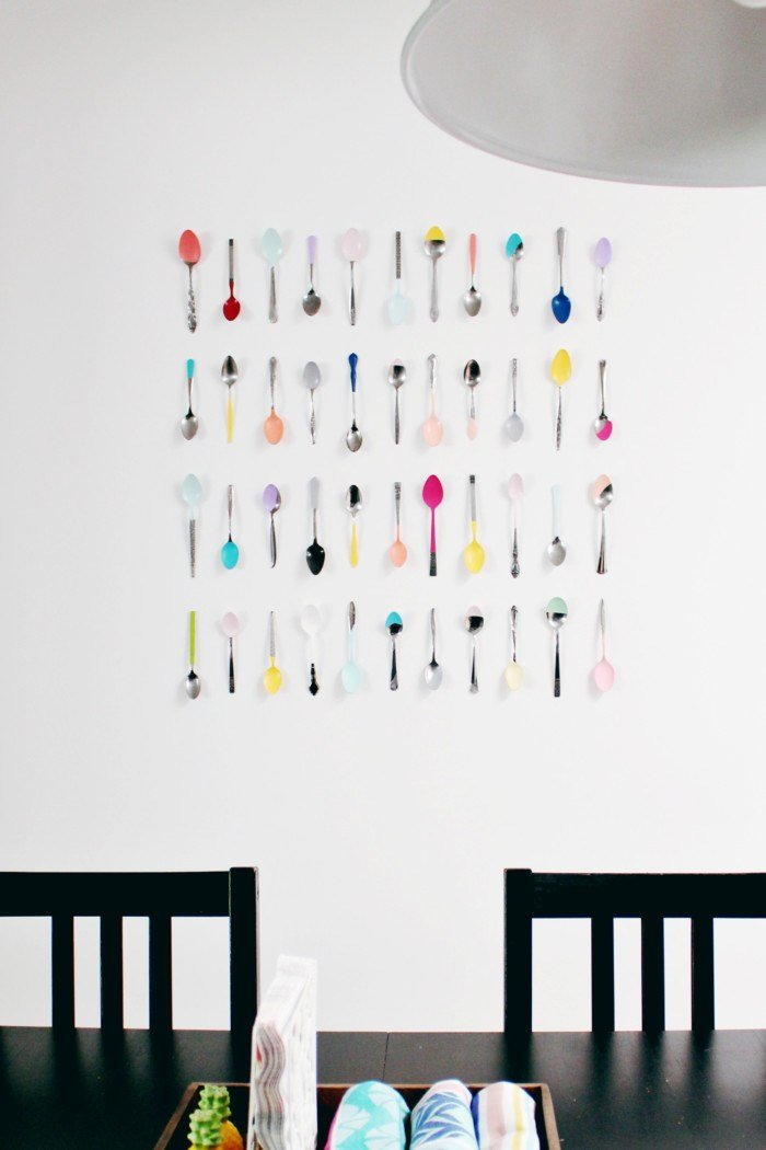 4.Make your Wall Jazzy with this Magical Spoon Arrangement via Simphome.com