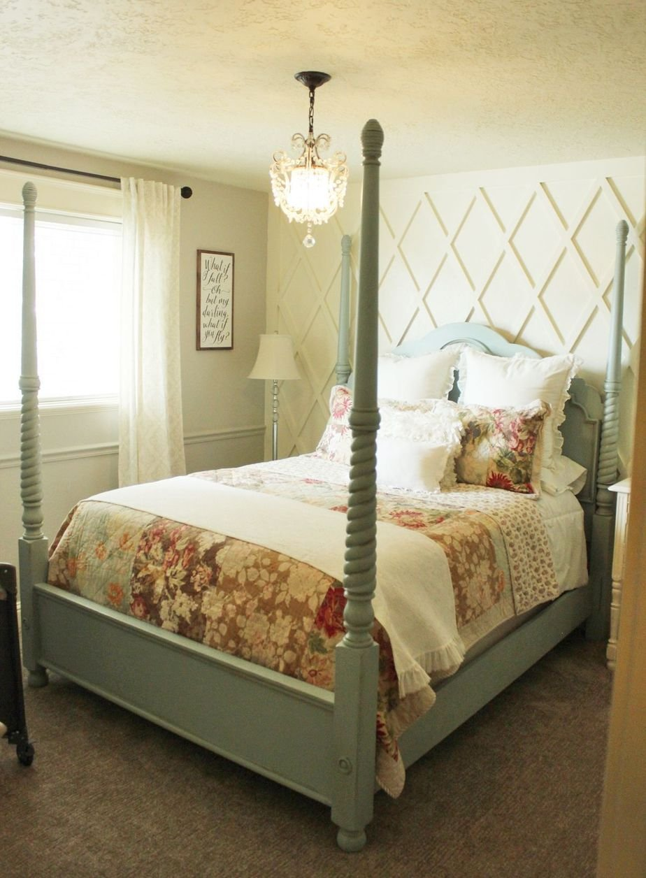 9.How to decorate a master bedroom ballance with walls Simphome.com