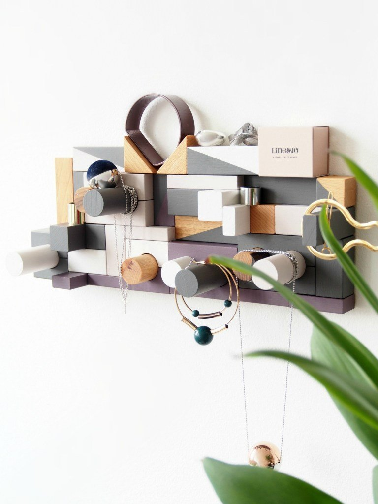 8. DIY Jewellery Organizer from Toys by simphome.com 2