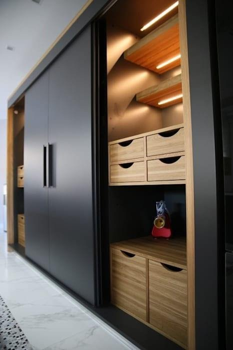 2. Mounted Wardrobe With Sliding door by simphome.com