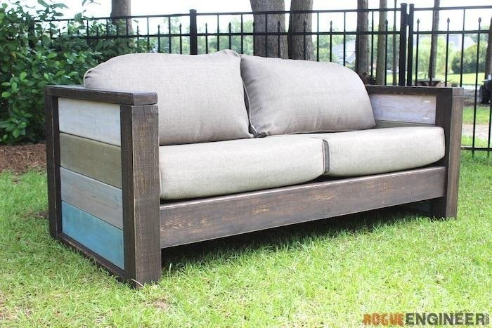 3. Outdoor Wooden Sofa by simphome.com